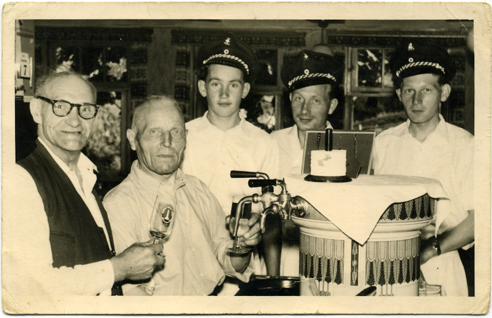 1957 an der Theke bei Sangermanns